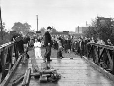 Waiting fro the Bailey Bridge to open in November 1955