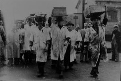 Porters from Billingsgate working in Stevenage in 1939